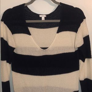 Navy and white striped, thin vneck sweater